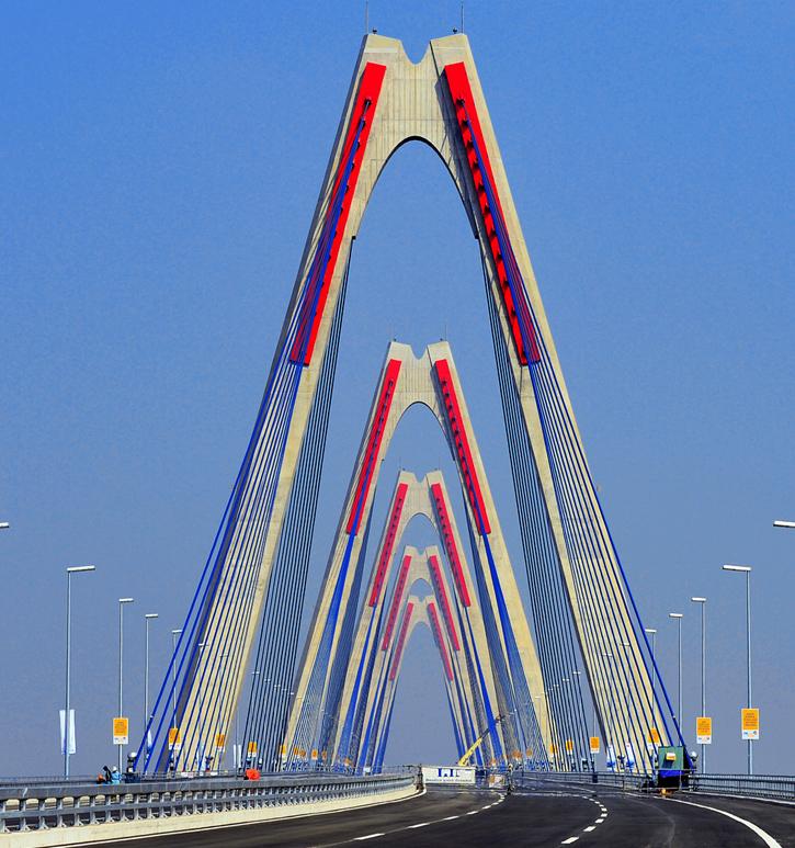 Cầu Nhật Tân, Cảng Đình Vũ